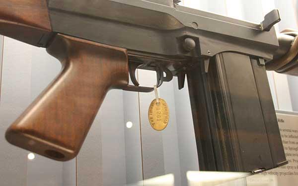 dual magazines on a salvo rifle