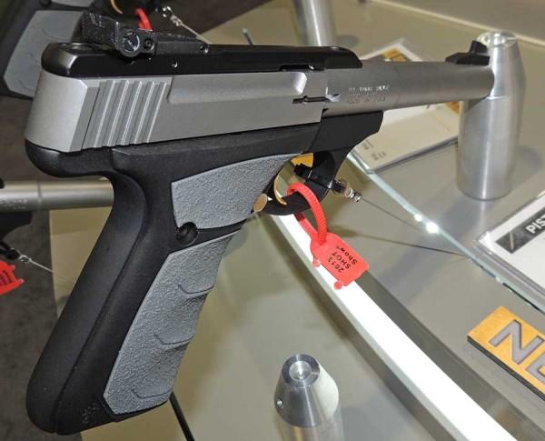 Browning BuckMark Camper UFX pistol