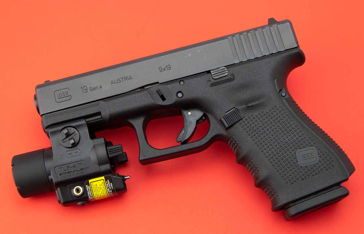 Streamlight TLR-4 mounted on Glock 19 for review